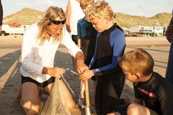 Externe activiteit door de zee korren of korvissen gevangen
